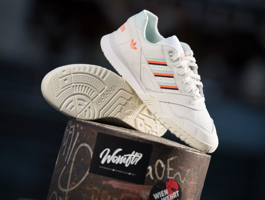 Adidas A.R. Trainer Beige Ice Mint Solar Orange (2)
