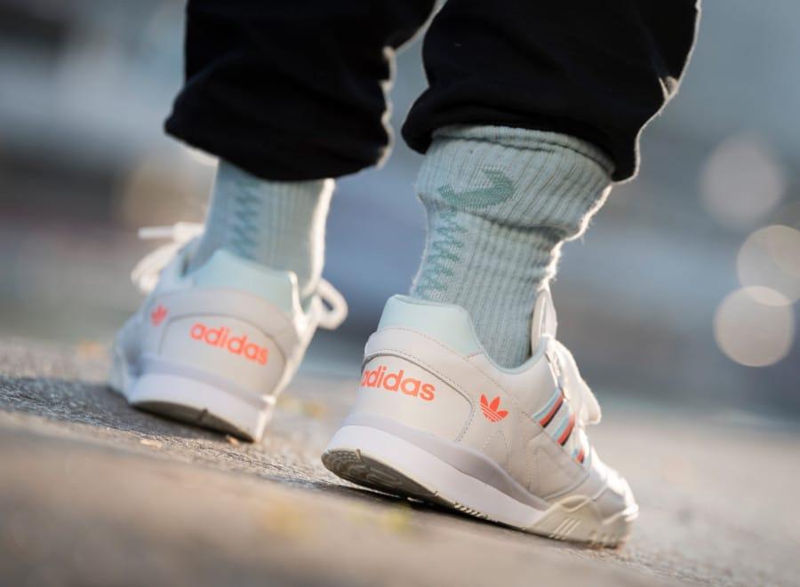 Adidas A.R. Trainer Beige Ice Mint Solar Orange (3)