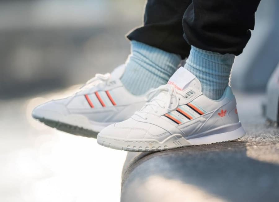 Adidas A.R. Trainer Beige Ice Mint Solar Orange (4)