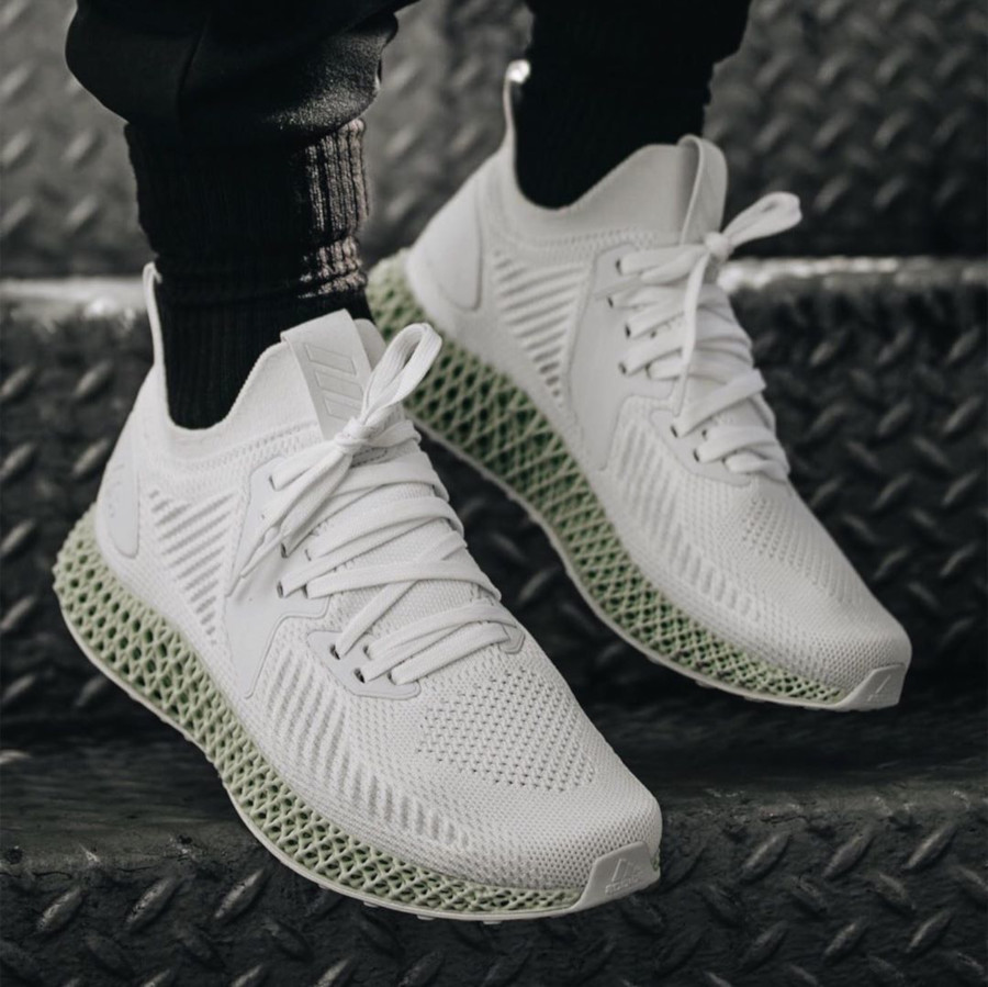 Adidas Alphaedge 4d blanche ftwr white on feet EF3454 (2)