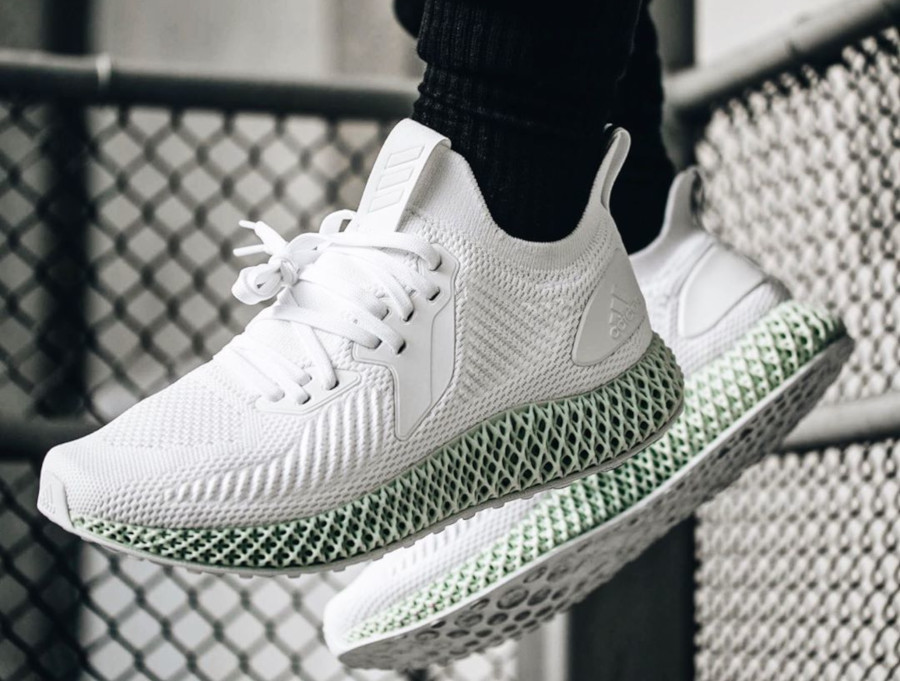 Adidas Alphaedge 4d blanche ftwr white on feet EF3454 (3)