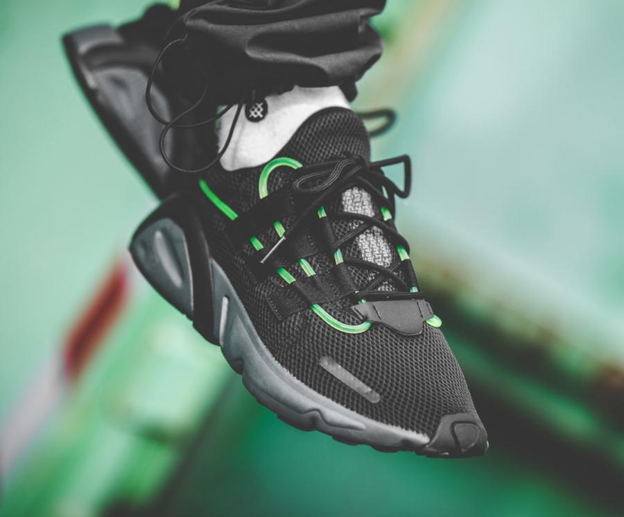 Adidas Lexicon noire avec un tube vert fluorescent (2)