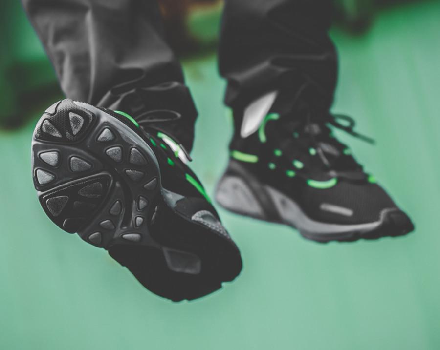 Adidas Lexicon noire avec un tube vert fluorescent (5)