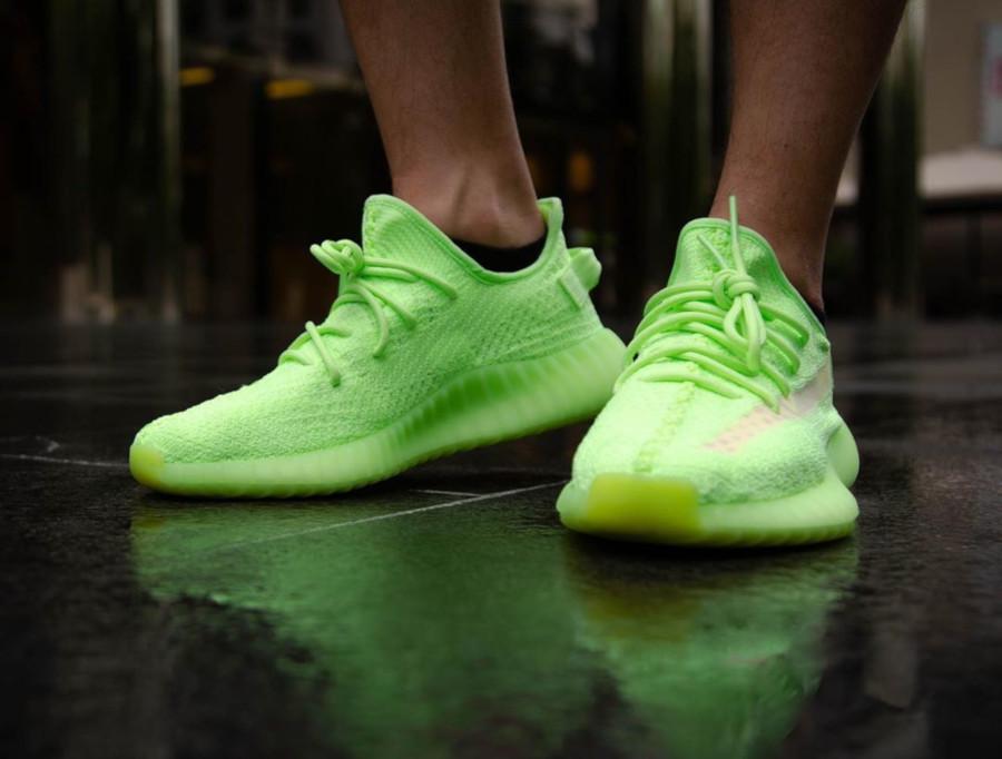 Adidas Yeezy 350 vert fluo qui brille dans le noir (1)