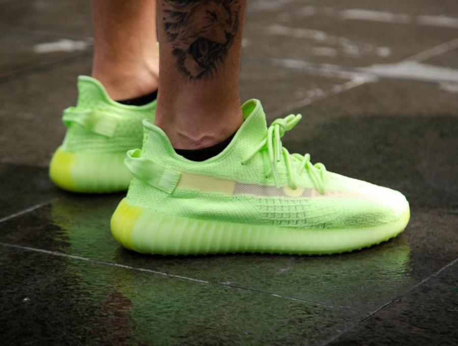 Adidas Yeezy 350 vert fluo qui brille dans le noir (2)