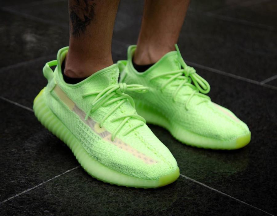 Adidas Yeezy 350 vert fluo qui brille dans le noir (3)