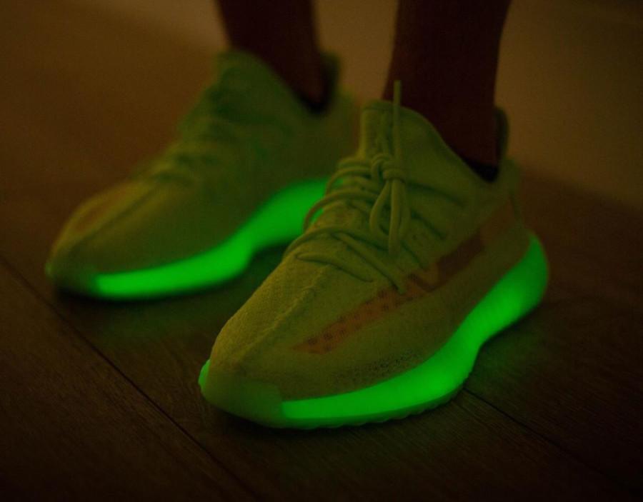 Adidas Yeezy 350 vert fluo qui brille dans le noir (4)