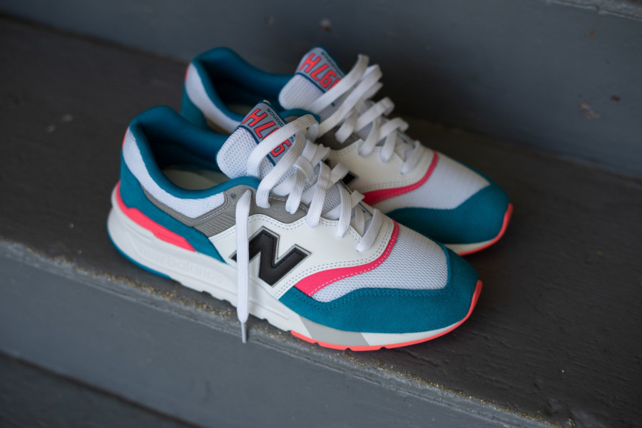 New Balance 997H South Beach Deep Ozone Blue Guava (2)