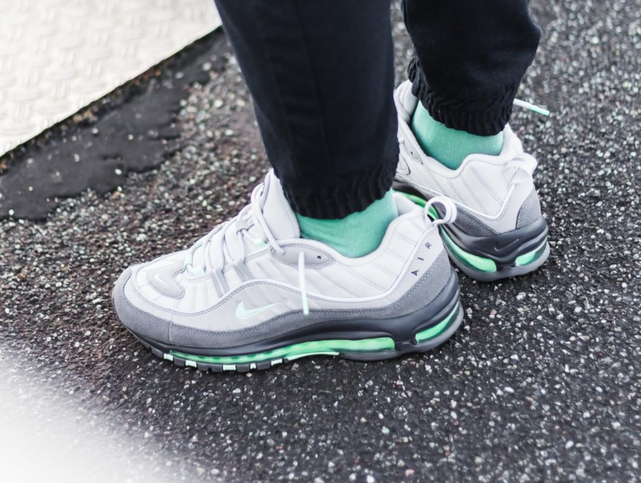 Nike Air Max 98 Fresh Mint Vast Grey Atmosphere Grey (2)