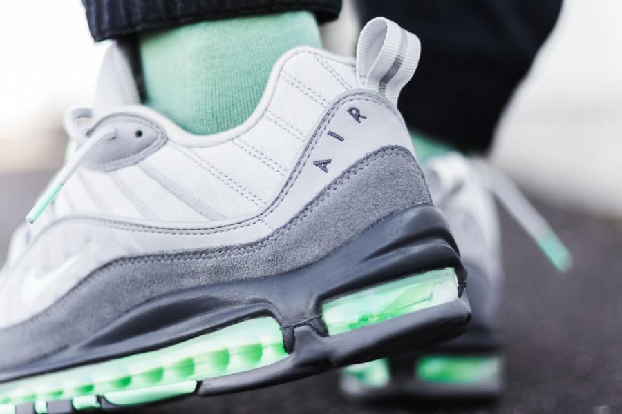 Nike-Air-Max-98-Fresh-Mint-Vast-Grey-Atmosphere-Grey-5