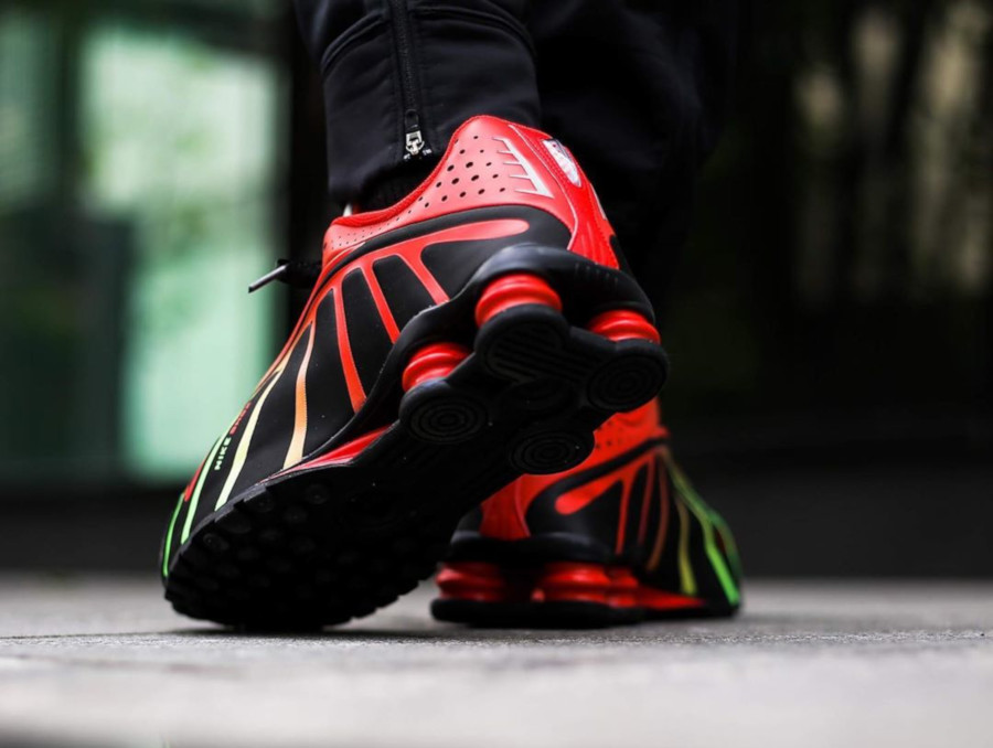 Nike Shox R4 Neymar JR Sao Paulo on feet (1)