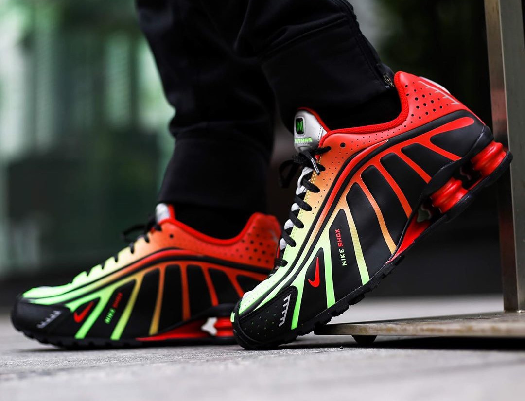 Nike Shox R4 Neymar JR Sao Paulo on feet (2)
