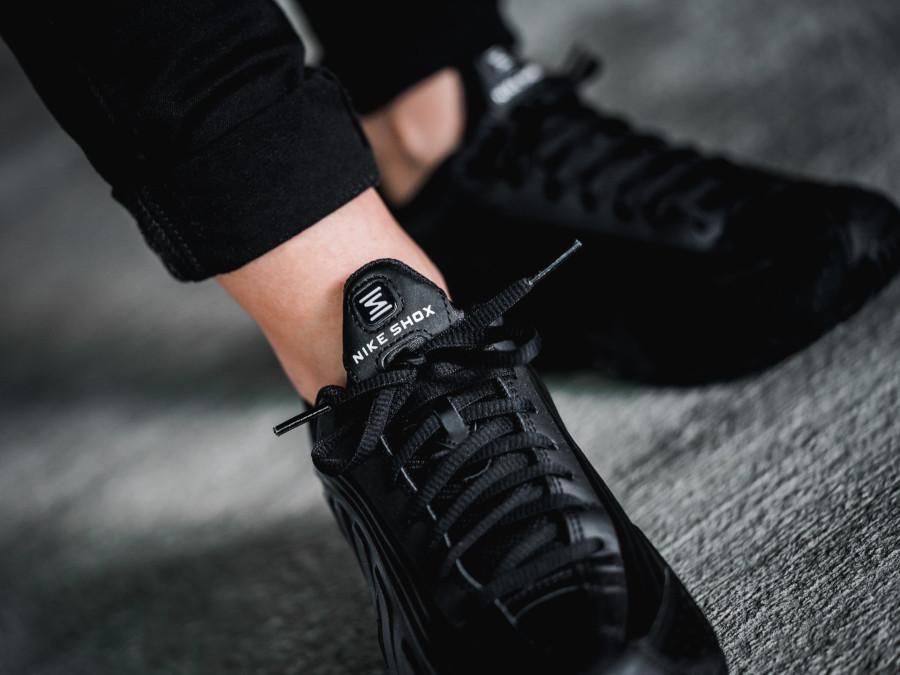 Nike Shox R4 Triple Black (1)