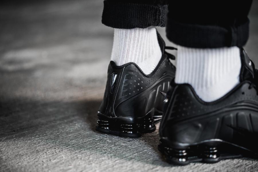 Nike Shox R4 Triple Black (3)