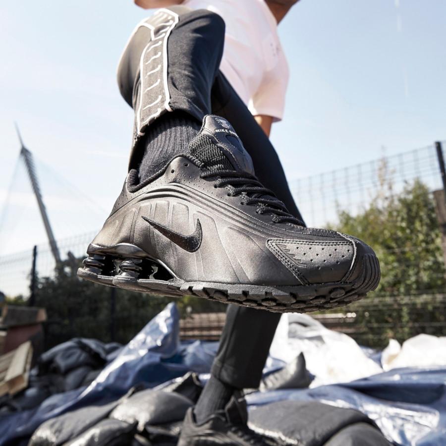 Nike Shox R4 Triple Black (5)