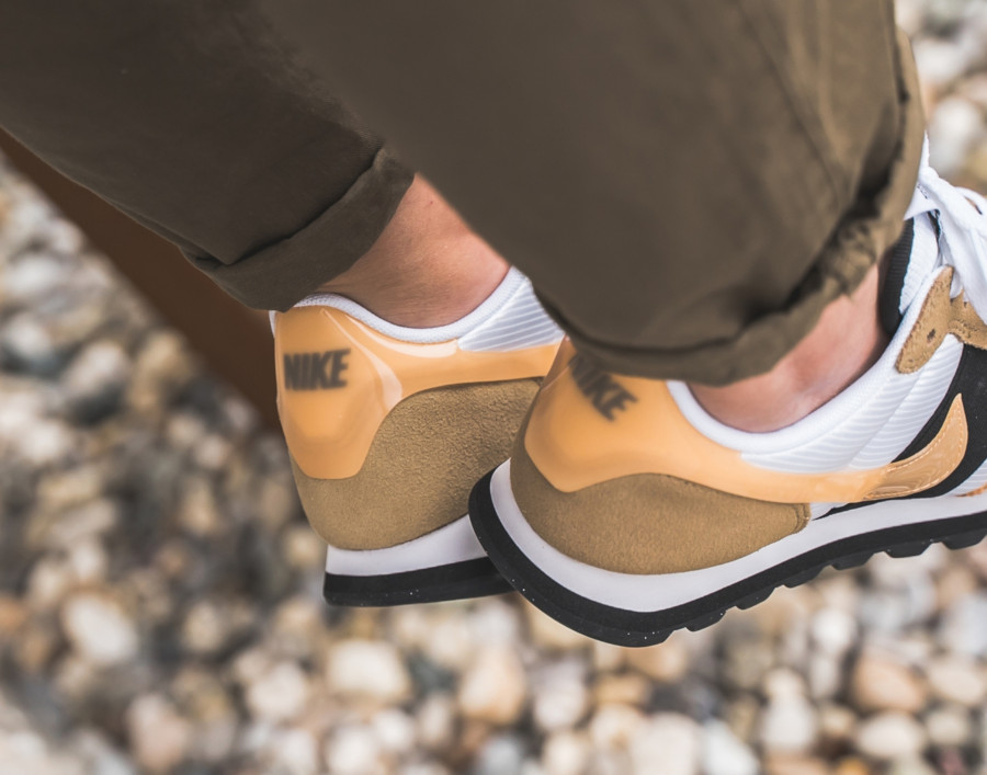 Nike V-Love O.X. blanche et beige (1)