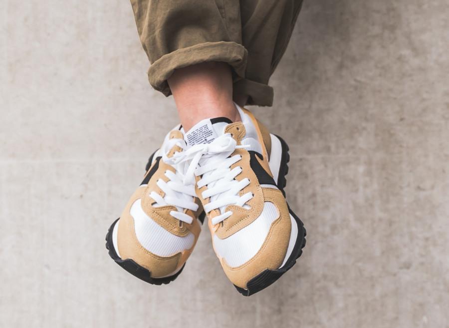 Nike V-Love O.X. blanche et beige (2)