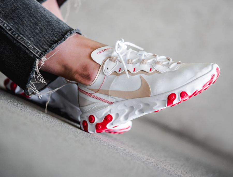 Faut-il acheter la Nike W React Element 55 Desert Ore BQ2728-101 ?