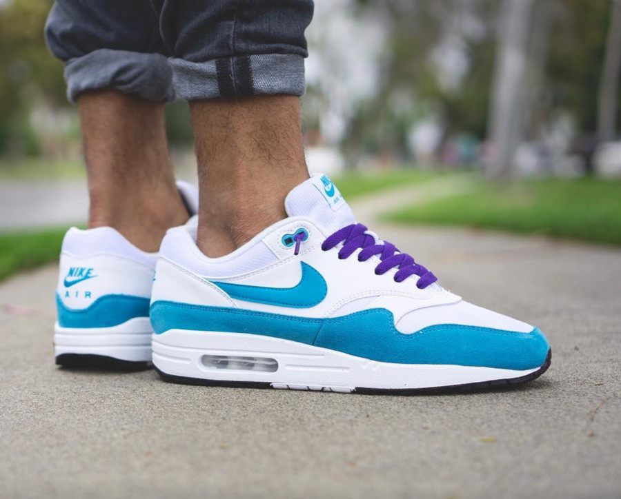 Nike Wmns Air Max 1 'Atomic Teal' LT Blue Fury White Black (4)