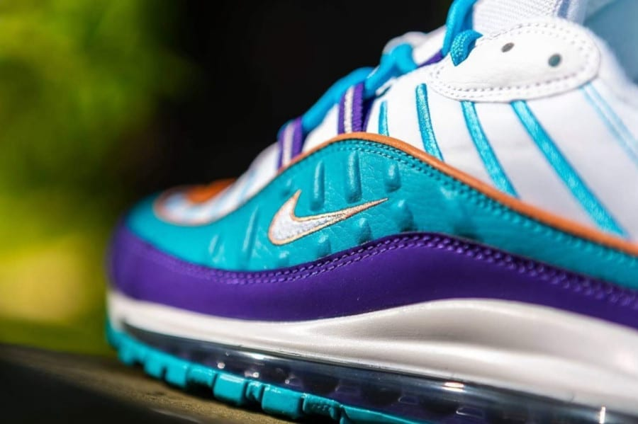 Nike Wmns Air Max 98 'Charlotte Hornets' Court Purple Terra Blush (3)