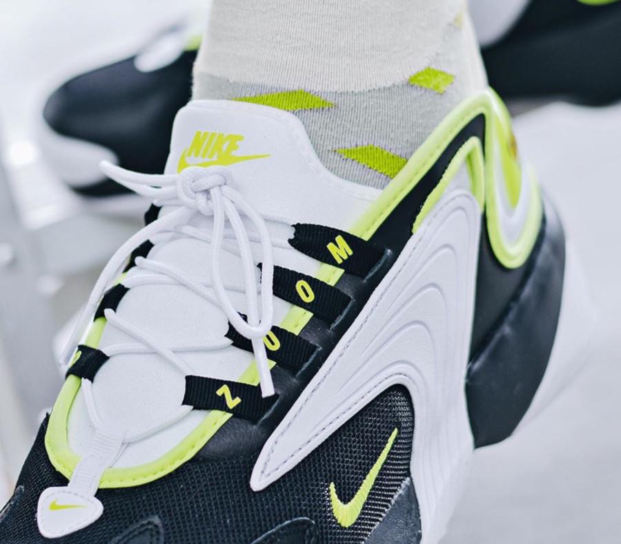 Nike Zoom 2K blanche noire et vert fluo (2)