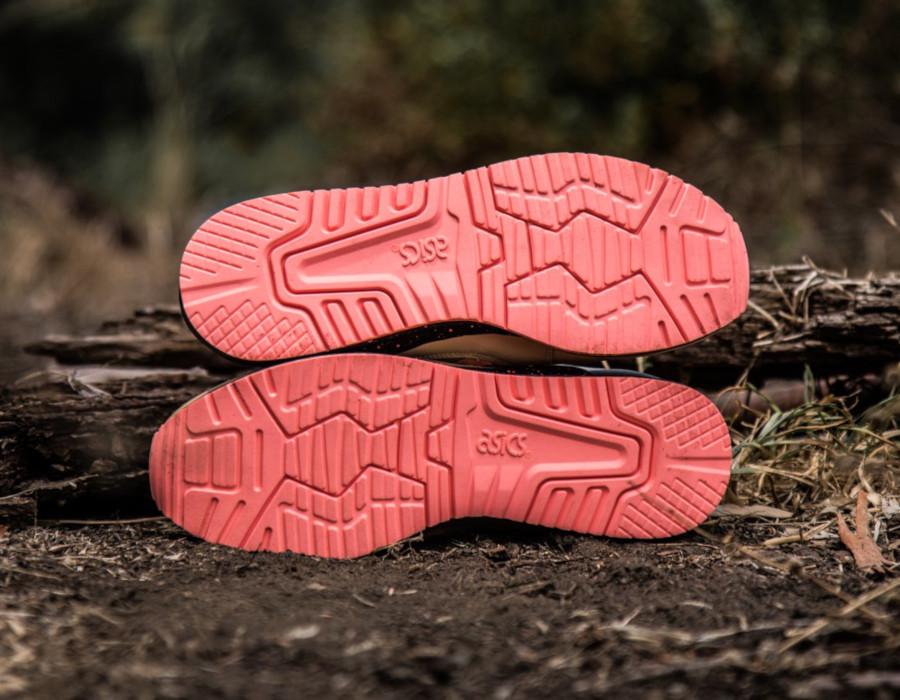 Sneaker Freaker x Asics Gel Lyte 3 'Tiger Snake' Beige Pink (4)