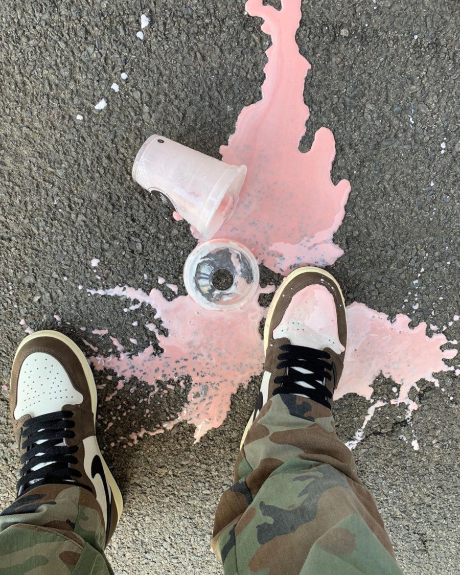 Milkshake renversé sur la Air Jordan 1 Travis Scott @louiemcastro