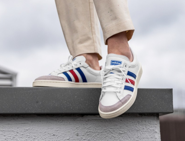 Adidas-Americana-Low-White-Blue-Red-on-feet-1