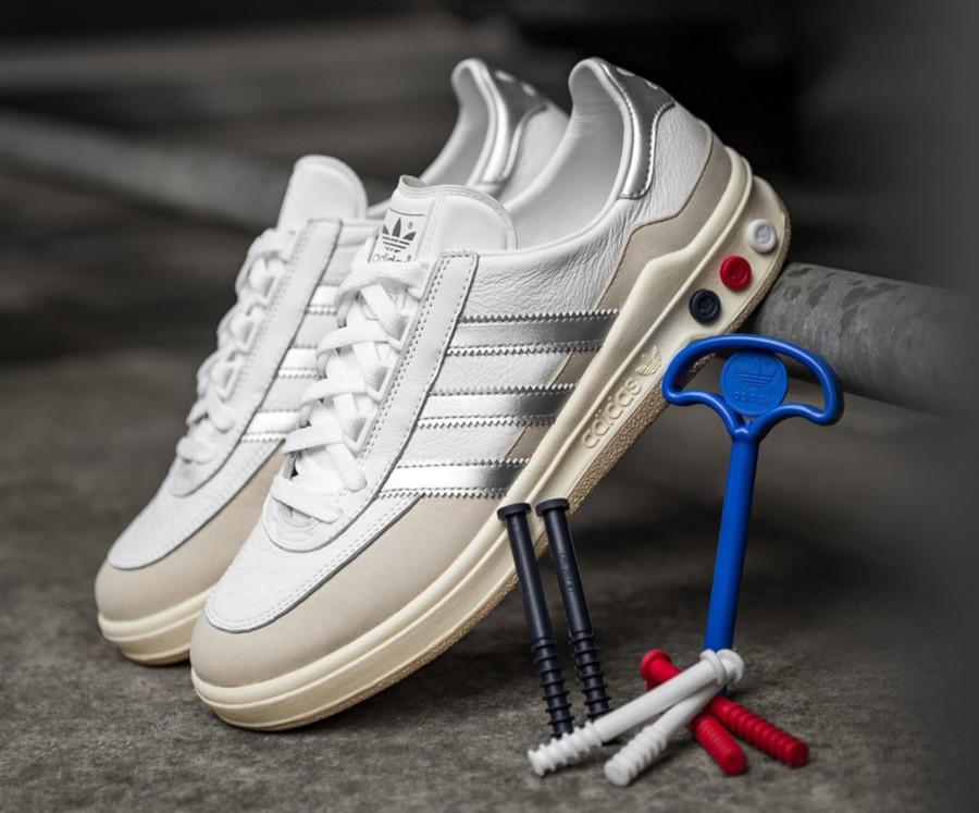 Adidas Galaxy blanche et gris métallique rétro 2019 (1)