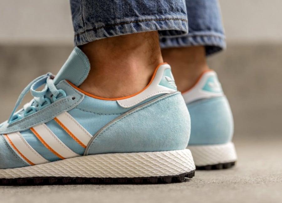 Adidas-Silverbirch-Spezial-bleu-ciel-blanche-et-orange-1