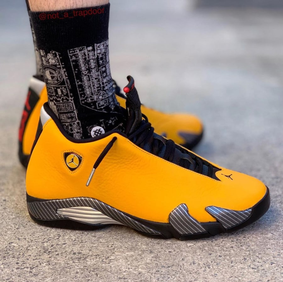 Air Jordan XIV University Gold (cuir jaune doré) (1)