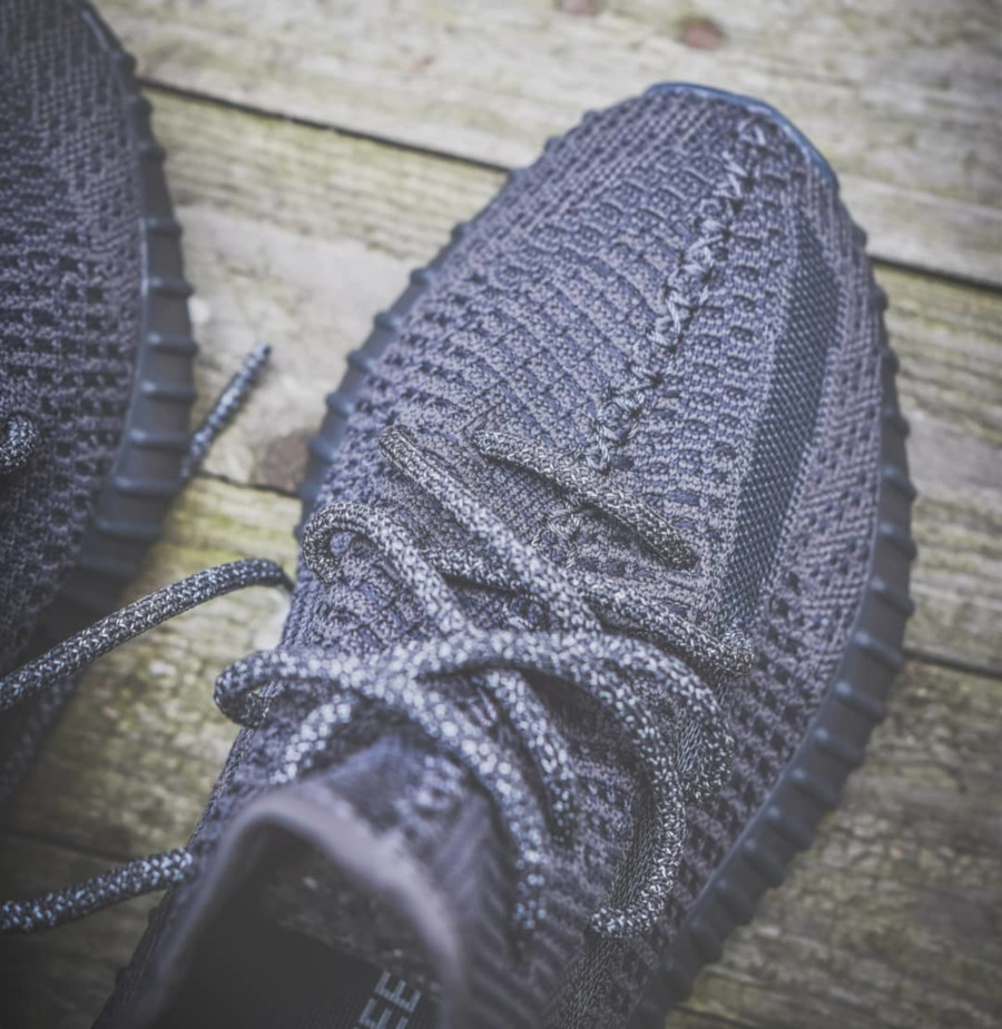 Kanye West x Adidas Yeezy 350 V2 'Pirate Black 2.0' (2)