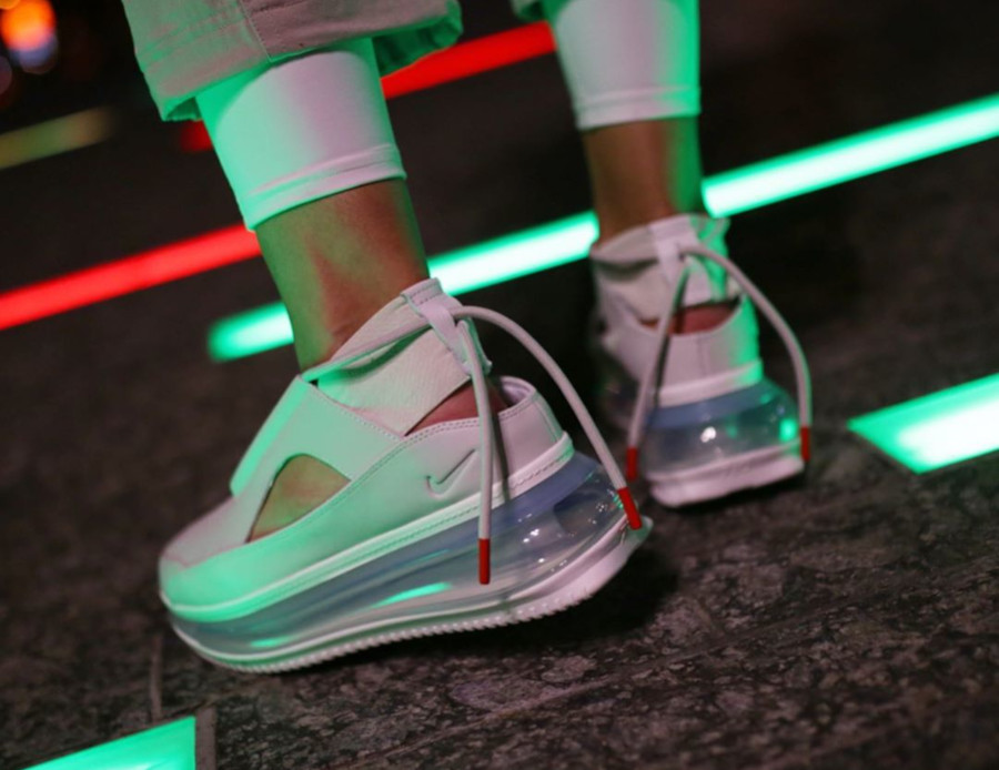 Nike Air Max 720 FF blanc cassé argent métallique (1)