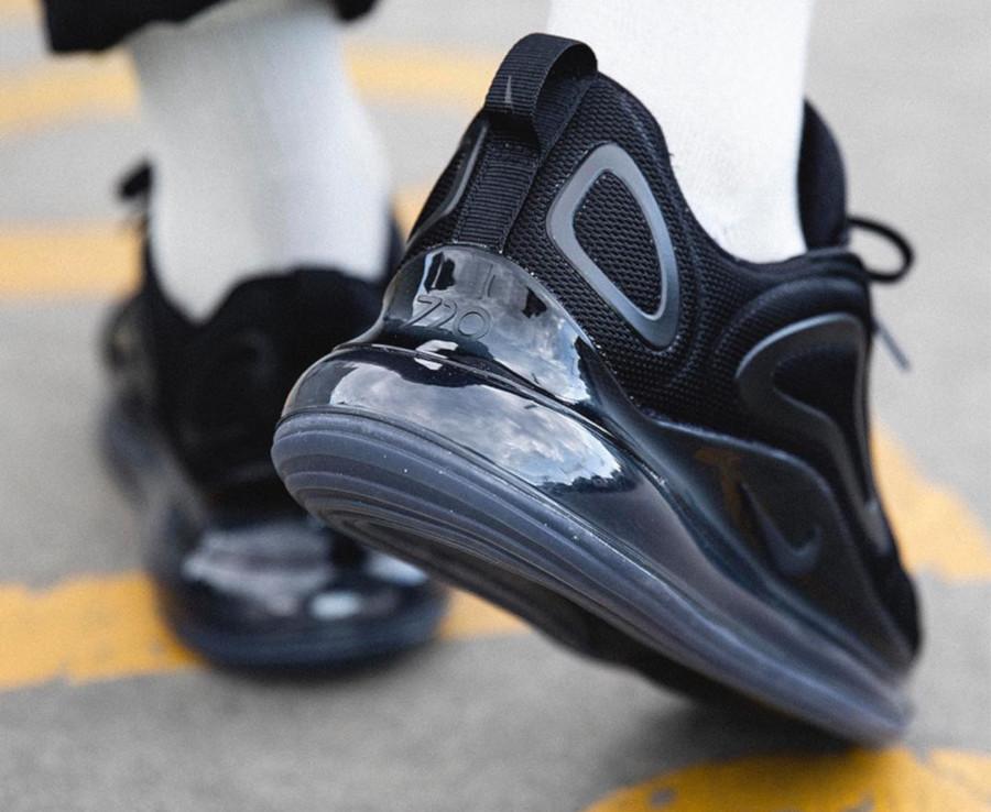 Nike Air Max 720 toute noire (1)