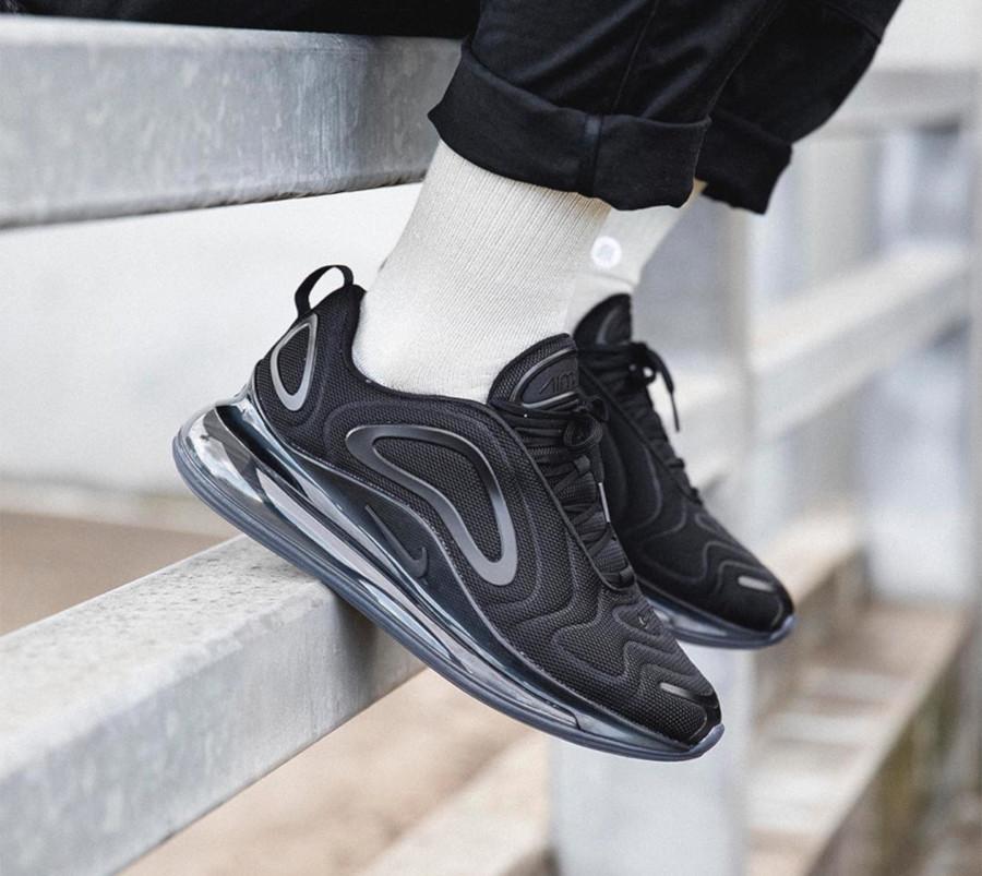Nike Air Max 720 toute noire (3)