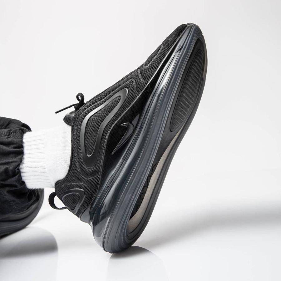 Nike Air Max 720 toute noire (6)