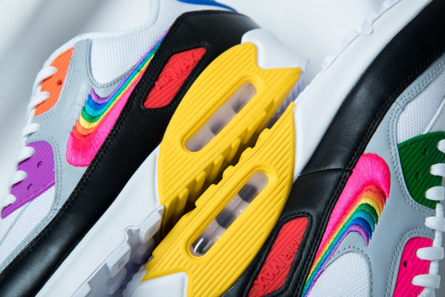 Nike-Air-Max-90-Betrue-Rainbow-Swoosh-2