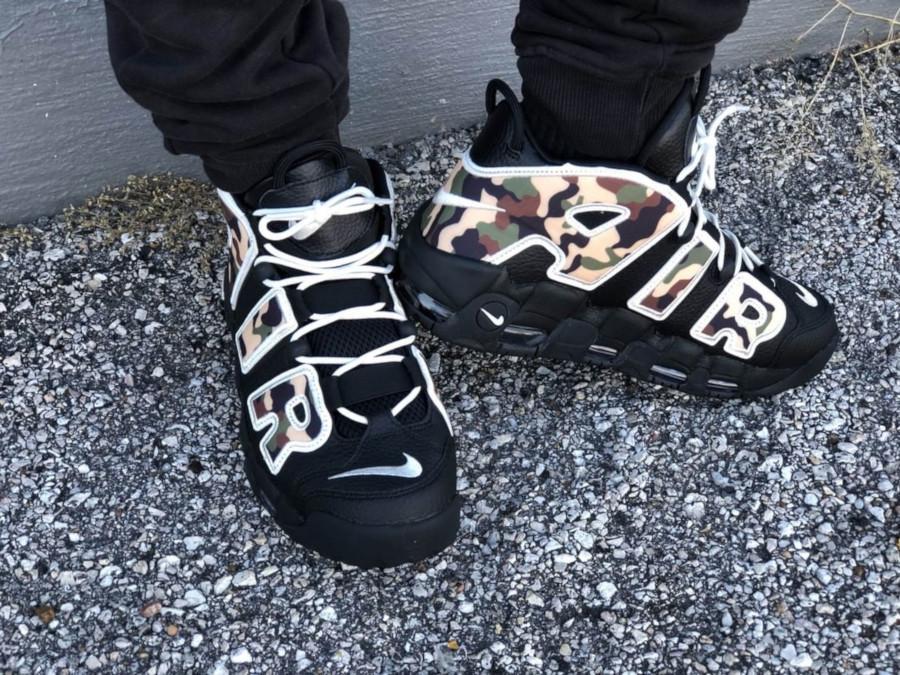 Nike Air More Uptempo noire avec un imprimé camouflage (1)