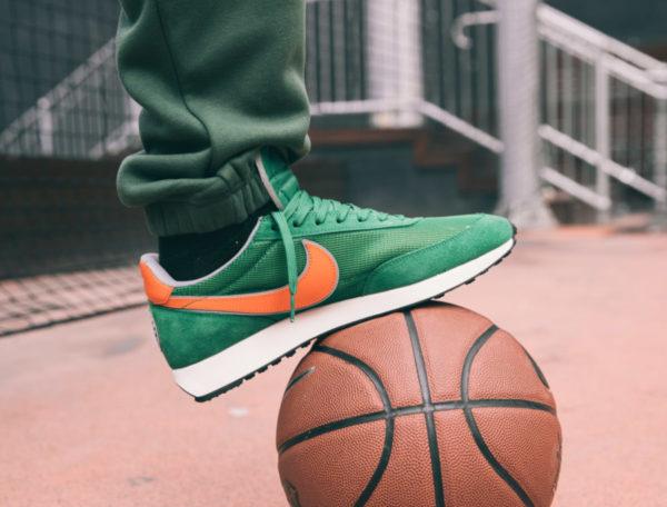Nike-Air-Tailwind-79-QS-Stranger-Things-Hawkins-High