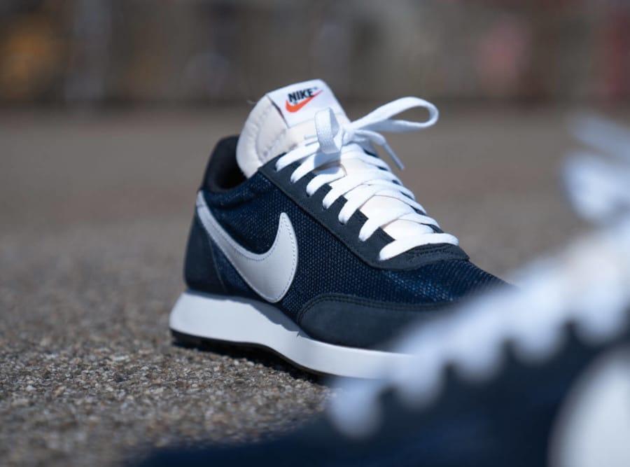 Nike Air Tailwind 79 bleu foncé et blanche (4)