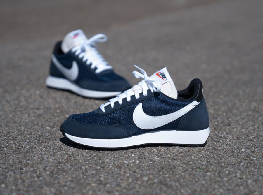 Nike Air Tailwind 79 bleu foncé et blanche (5-1)