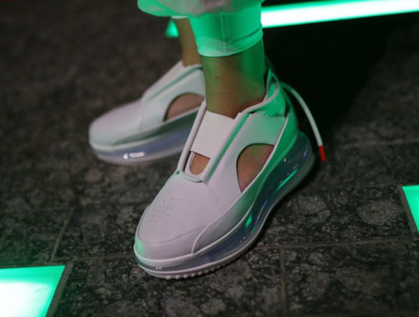 Nike Wmns Air Max FF 720 Summit White AO3189-100 (couv)