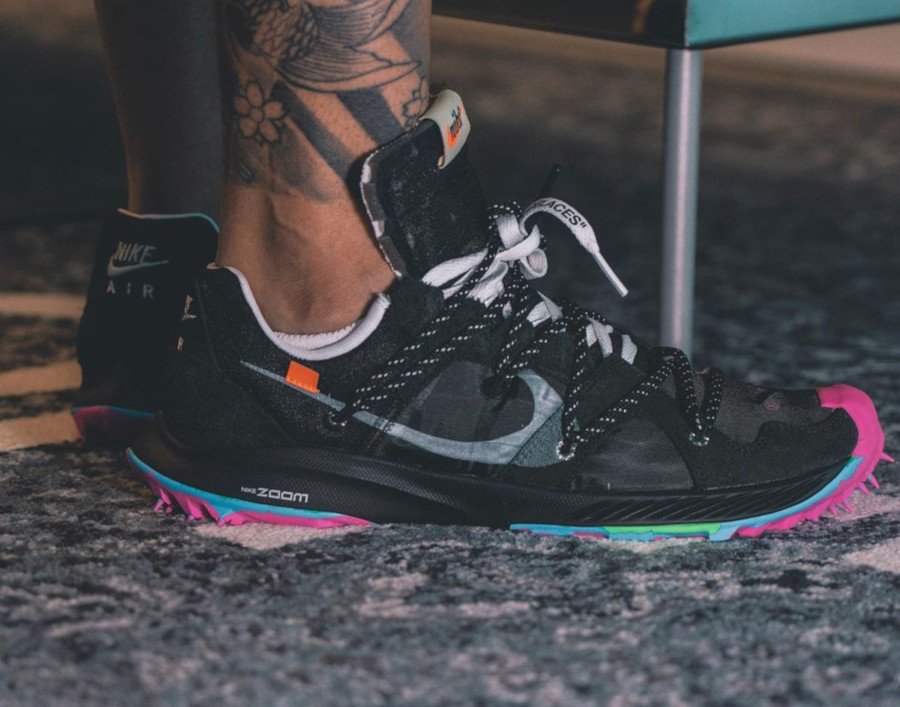 Nike Zoom Terra Kiger 5 noire et rose (2)