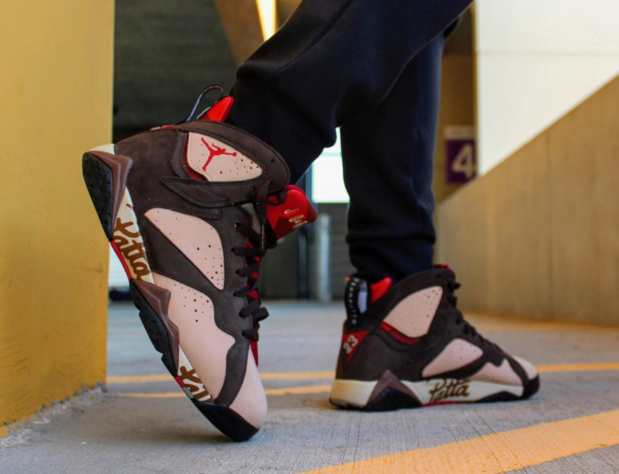 Patta x Air Jordan 7 Retro OG SP 'Shimmer Velvet Brown' (3)