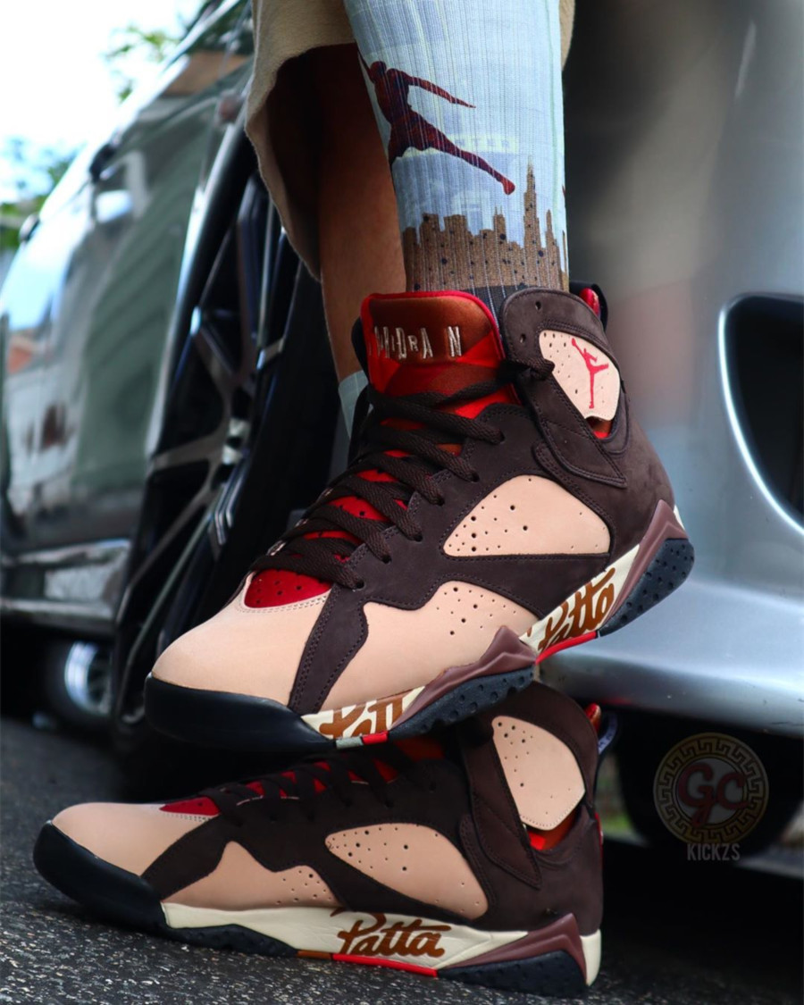Patta x Air Jordan 7 Retro OG SP 'Shimmer Velvet Brown' (4)