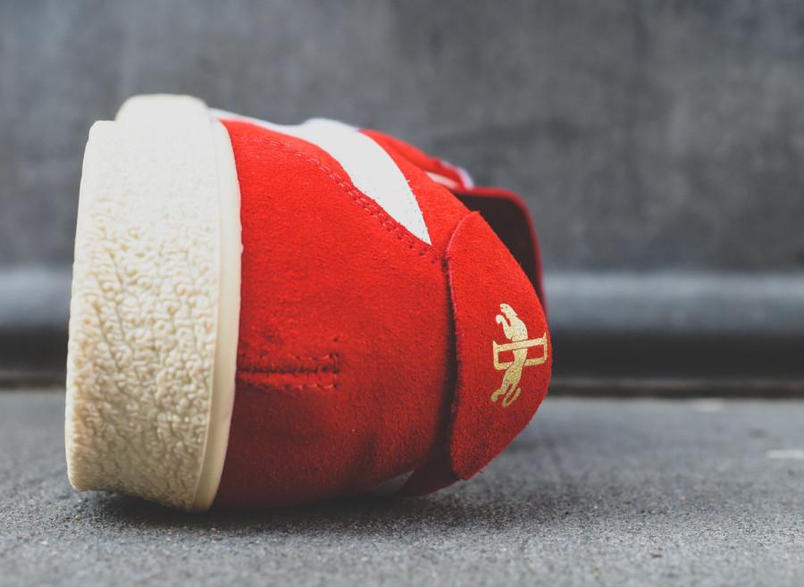 Puma Crack Heritage en suède rouge avec un logo doré (5)
