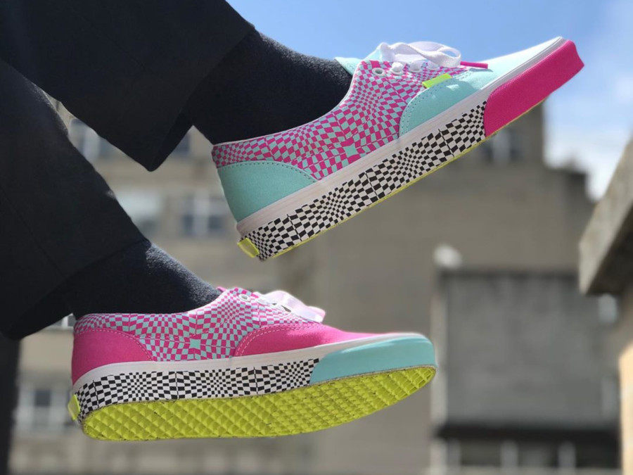 Vans Era Size Exclusive Psychedelic Warped Check on feet (2)