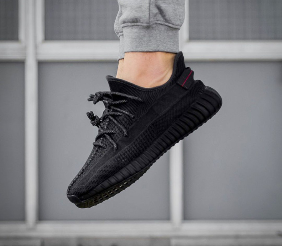 adidas-yeezy-350-v2-black-friday-2019-FU9006 (1)