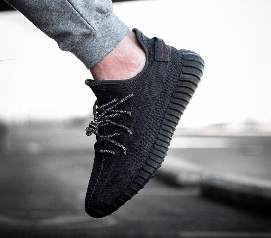 adidas-yeezy-350-v2-black-friday-2019-FU9006 (2)