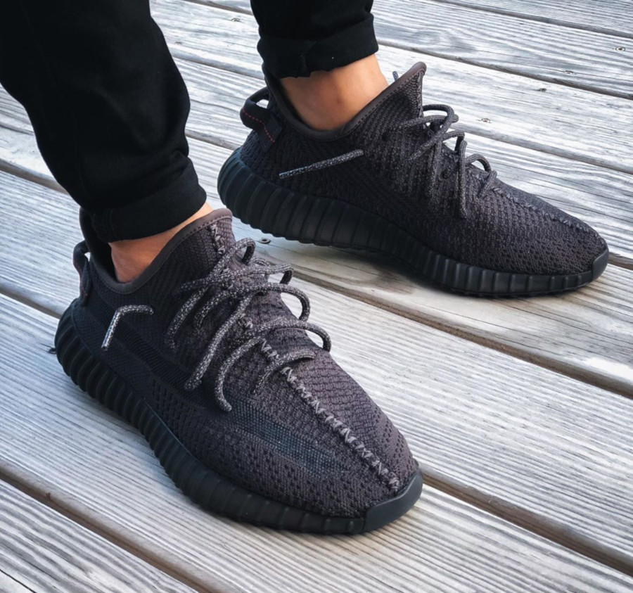 adidas-yeezy-350-v2-black-friday-2019-FU9006 (3)